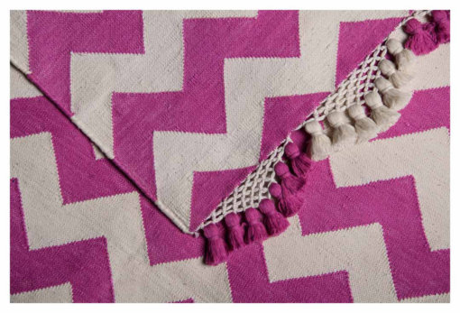 CHEVRON ILLUSIONS- JUST PINK & WHITE WITH HAWAL TASSEL Closeup