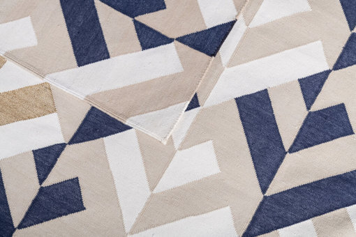 SANSKRIT – STEEL BLUE & WHITE Closeup